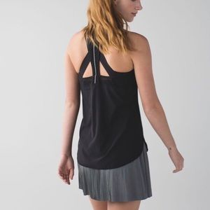 Lululemon Vent It Out Singlet in Black